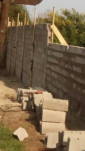 muros de bloques y ladrillos