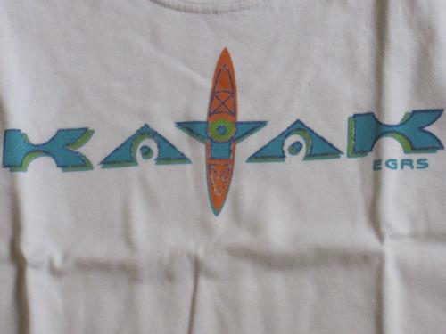 musculosa  gruny t:4 años blanca con celeste kayak