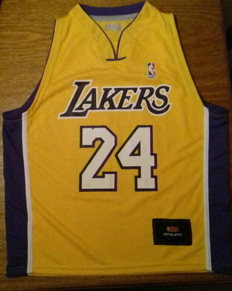 new styles e84ae 5d36a Musculosa Nba Atletic Lakers 24 Bryant Talle 10 - $ 799,00