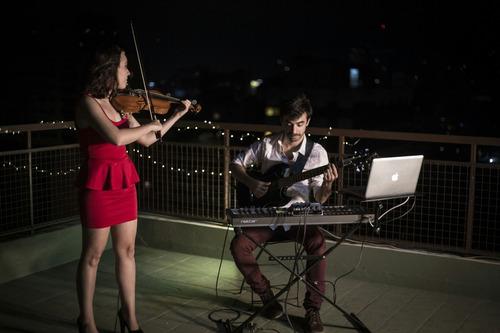 música electrónica en vivo con violín para eventos