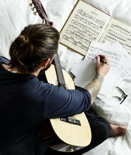 músico experiente oferece: ensino personalizado, & prático