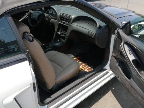 mustang convertible 2001