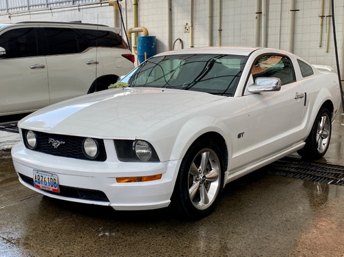 mustang gt premium v8 2007 blanco 110.000 km