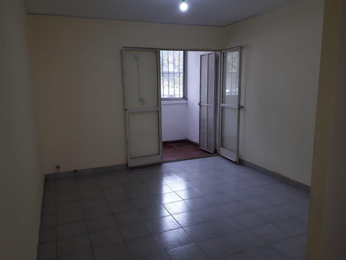 muy amplio departamento de 54 m2 - un dormitorio - avellaneda 1800