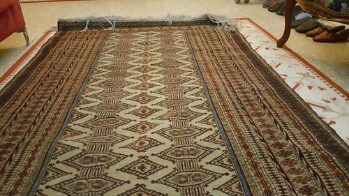 muy antigua alfombra de bukara