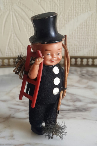 muy antiguo muñeco celuloide deshollinador 100% original