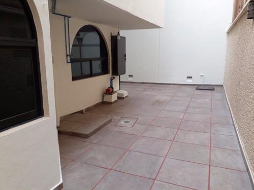 muy bonita casa, amplios espacios con 7 lugares de estaciona