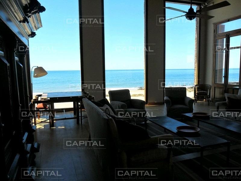muy bonita casa con acceso directo a la playa-ref:27245