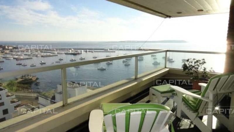 muy buen apartamento de 3 dormitorios con vista al puerto!-ref:26857