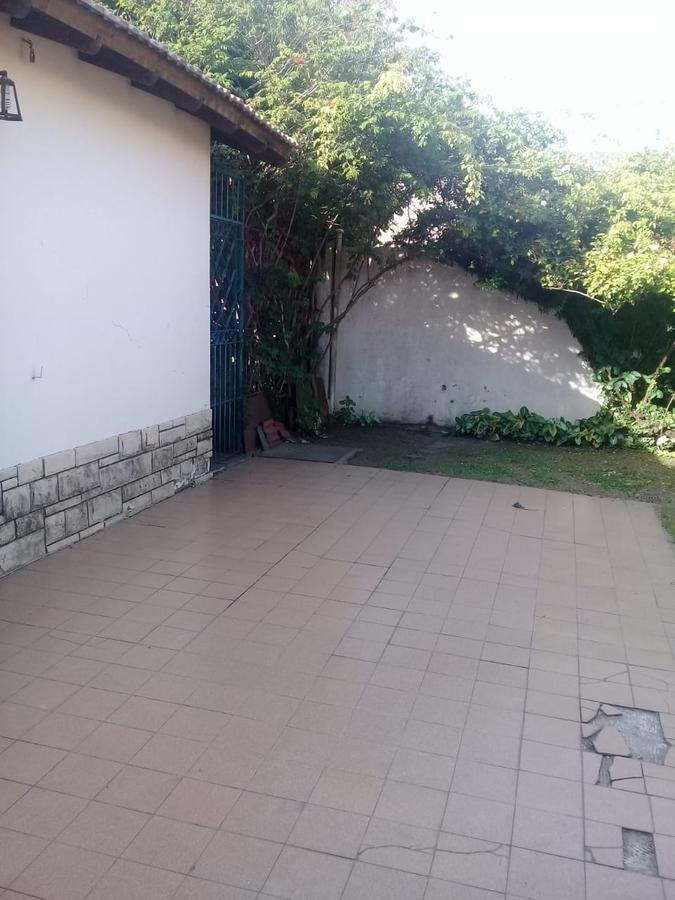 muy buen chalet 3 ambientes con jardin y garage - villa adelina