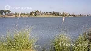 muy buen terreno al agua!