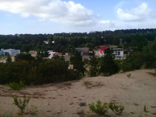 muy buen terreno en venta en altura en el barrio ecuestre en costa esmeralda