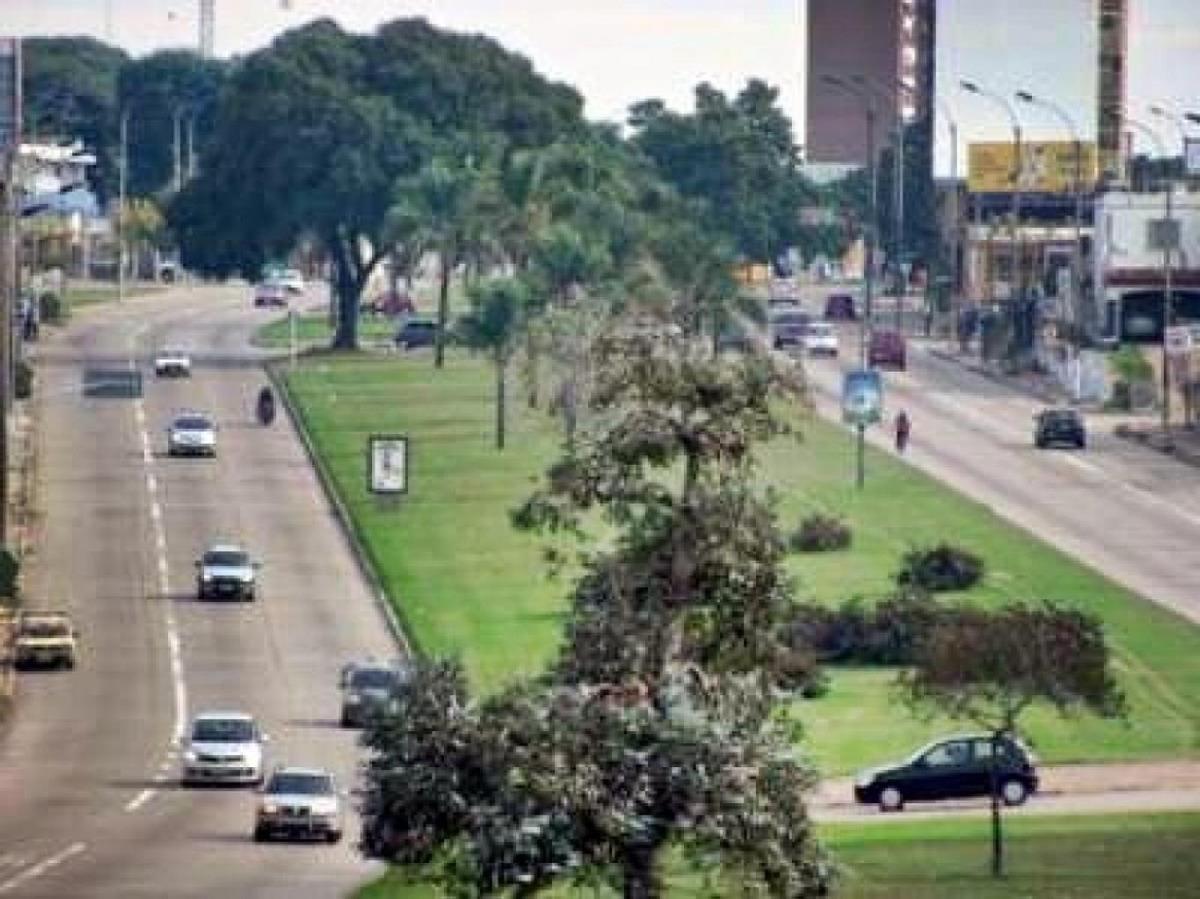 muy buen terreno! excelente orientación. en cruce de avenidas.