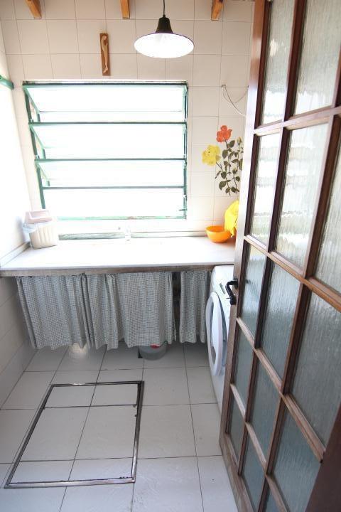 muy buena casa 4 ambientes en  olivos