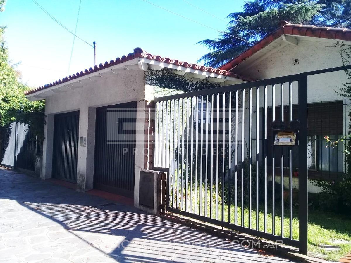 muy buena casa c/quincho y piscina, 800m2 totales  - don torcuato