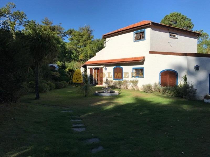 muy buena casa en barrio parque del golf - consulte !!!!!!!-ref:2764