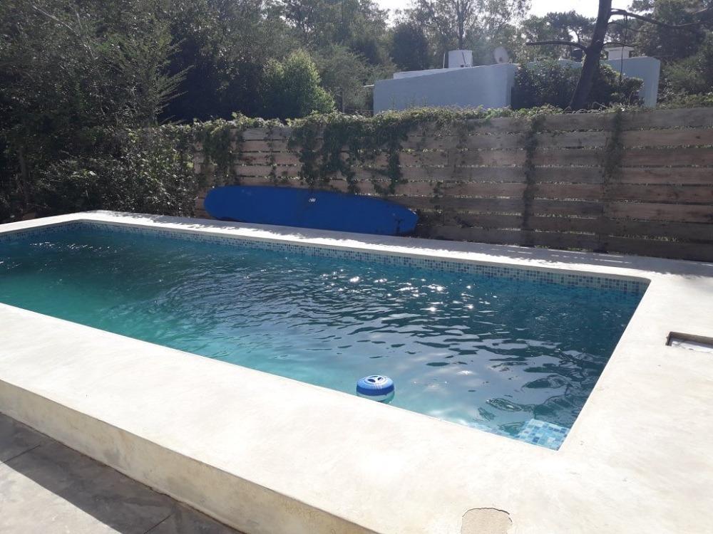 muy buena casa. piscina, excelente relación precio, calidad.