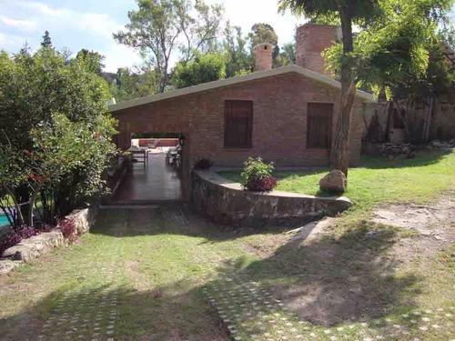 muy linda casa + depto en villa carlos paz, villa del lago