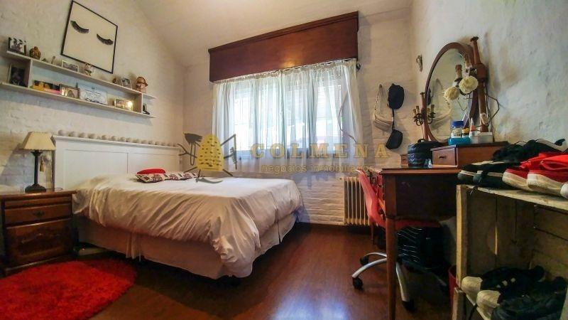 muy linda casa en carrasco, 5 dormitorios. en zona de colegios, montevideo!-ref:2118