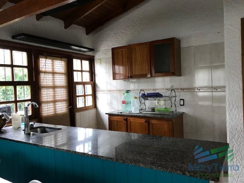 muy linda casa en un barrio con buen entorno en maldonado.-ref:2155