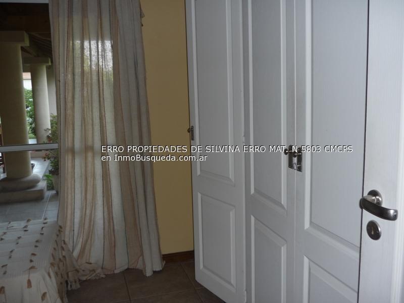 muy linda casa en venta de 4 ambientes en villa rosa (bp)