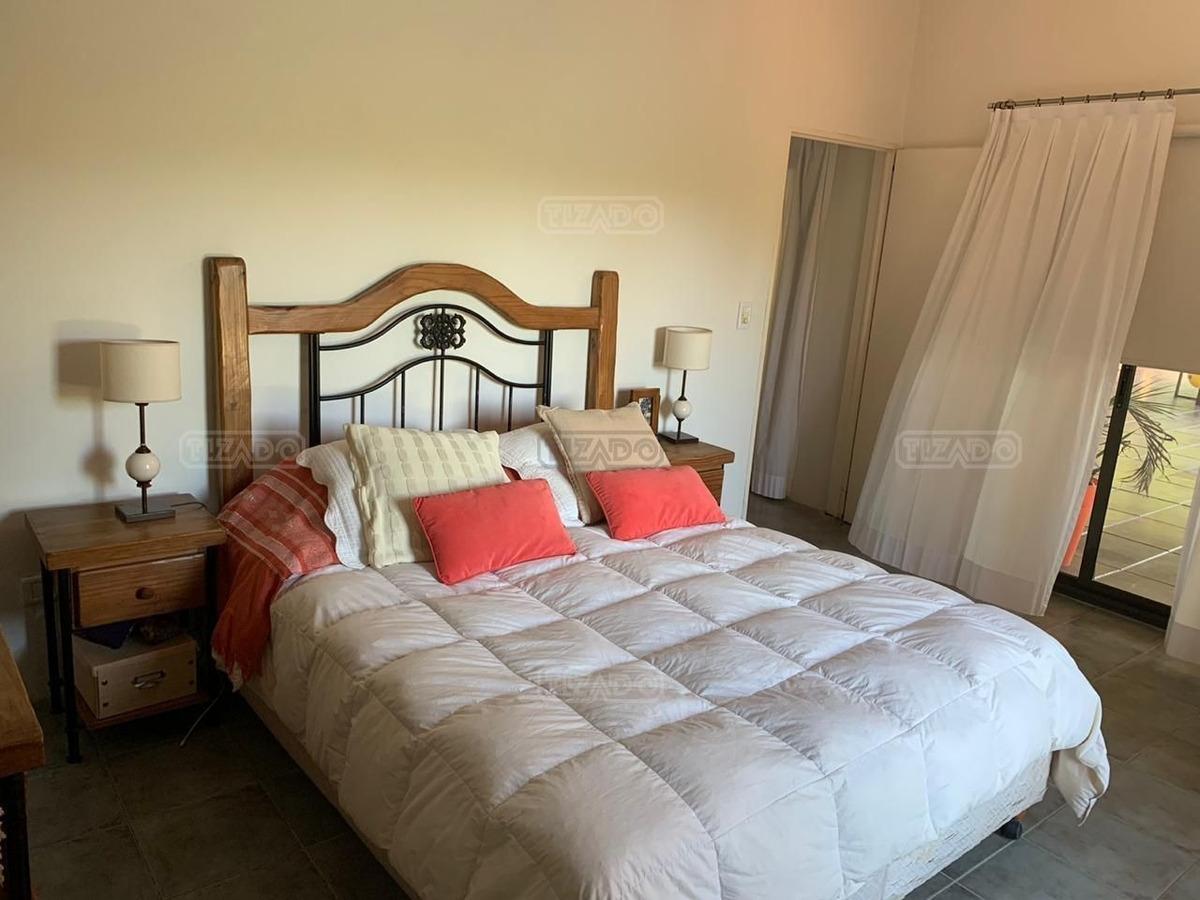 muy linda casa en venta en acacias blancas