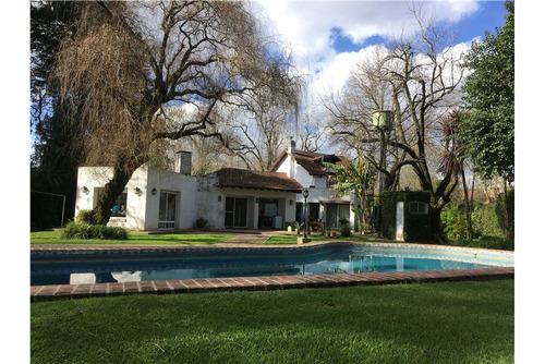 muy linda casa sobre excelente terreno!