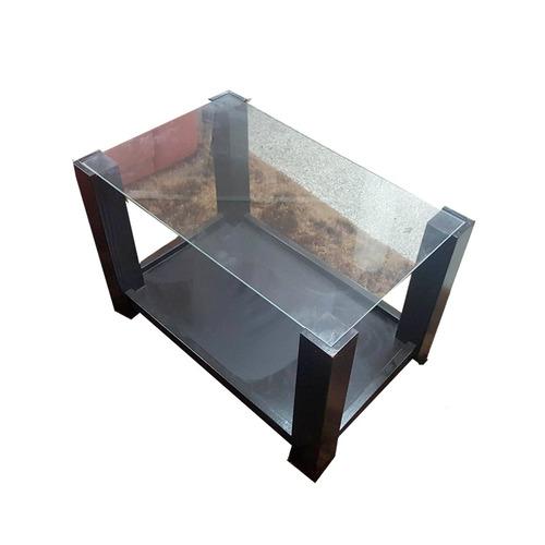 muy linda mesa ratona con vidrio y revistero en madera ..!!