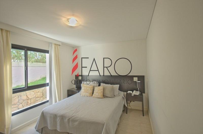 muy lindo apartamento en playa brava-ref:36455