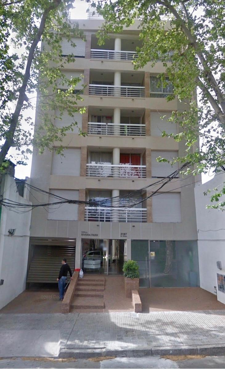 muy lindo apartamento sobre rivera con gran patio parrillero