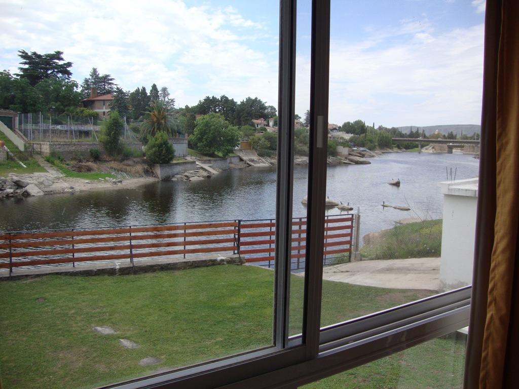 muy lindo departamento en villa carlos paz, fondo al lago
