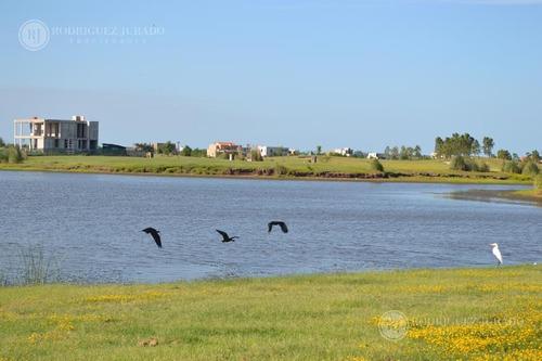 muy lindo lote a la laguna en norte - el canton