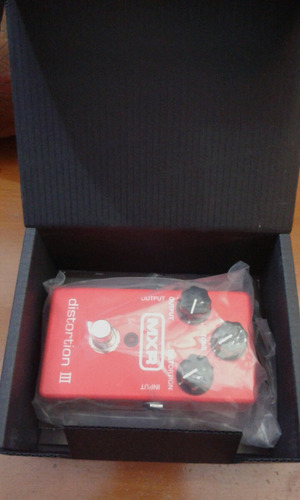 mxr m115 distortion i i i pedal distorsion
