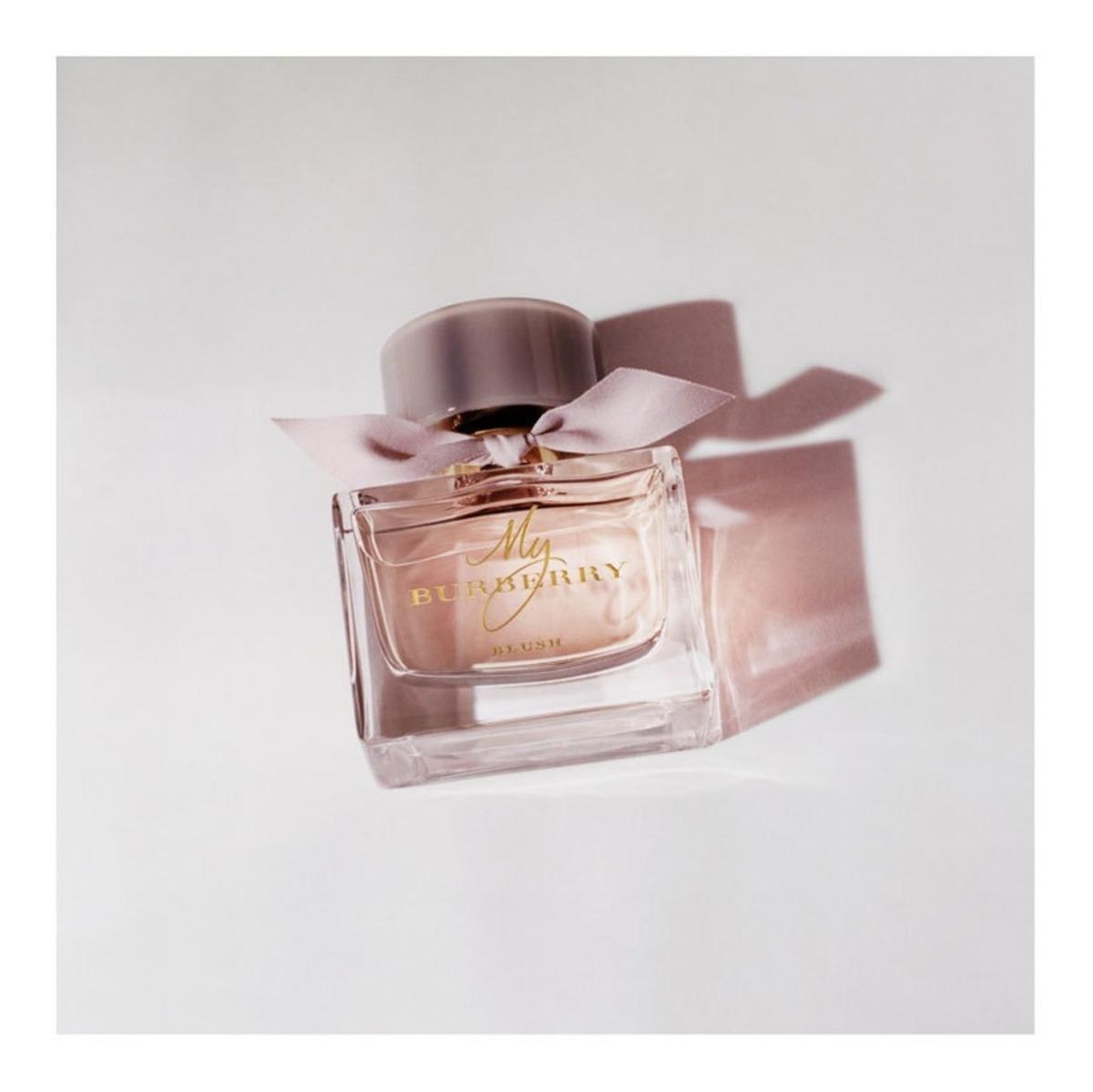 a9c77f0a2d59a my burberry blush eau de parfum - perfume feminino 30ml. Carregando zoom.
