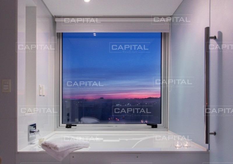 mythos - espectacular penthouse duplex, ubicado en la parada 31 playa brava.-ref:28491