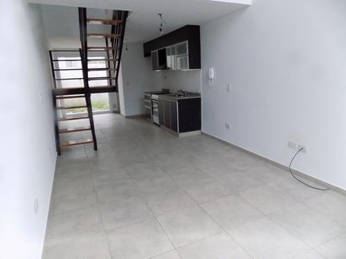 n122 - castelar - hermosos duplex 3 amb  apto credito