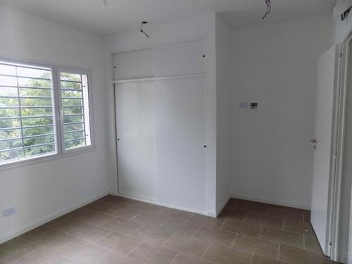 n82 - castelar norte duplex casa a estrenar cochera patio