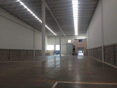 nave 1,000 m2 en parque industrial b-086