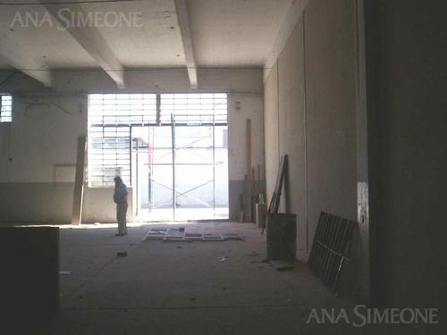 nave con superficie cubierta desde  1.000 m2    365 m2 ó 160 m2 de oficinas