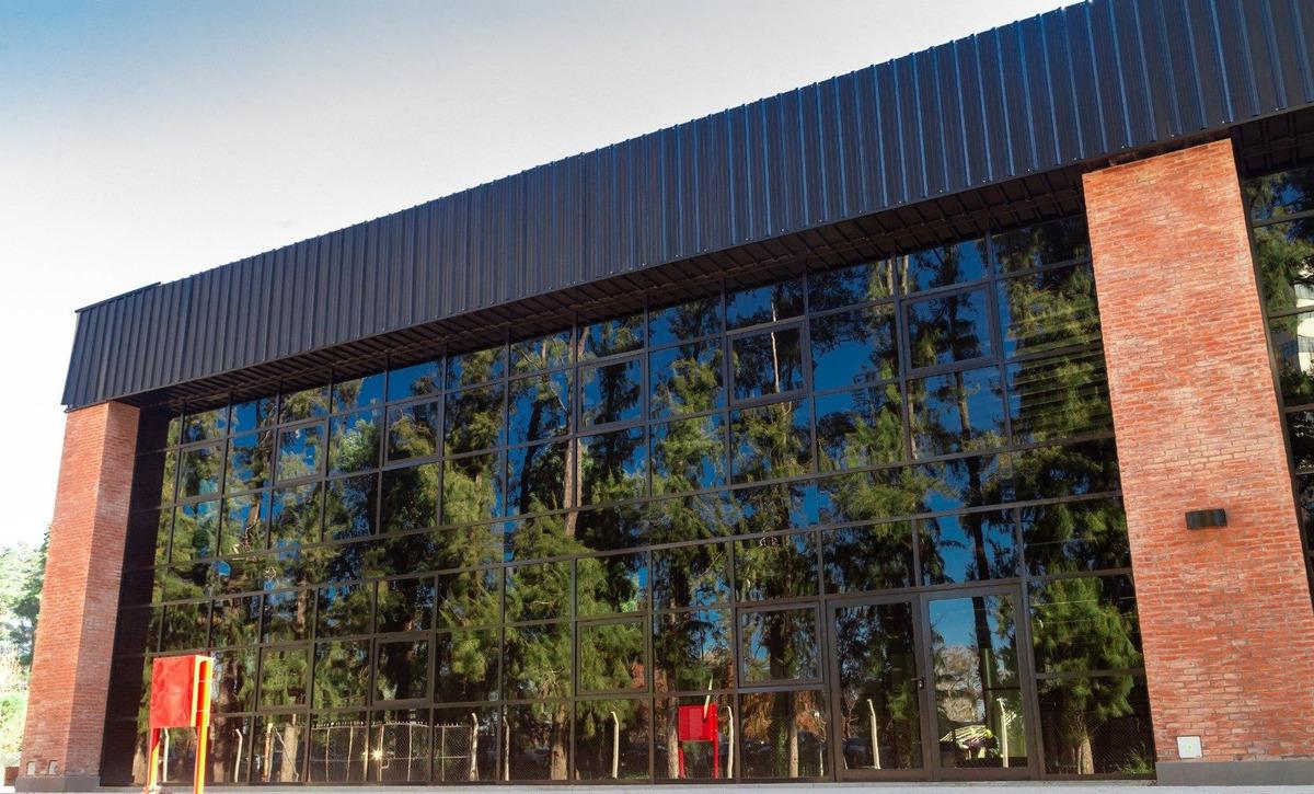 nave industrial 2.520 m² en alquiler en pilar