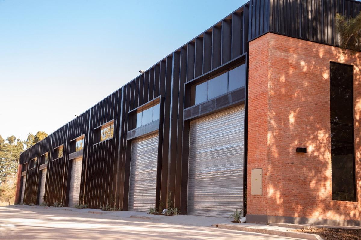 nave industrial 420 m² en alquiler en parque austral, pilar