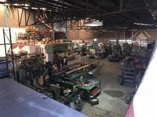 nave industrial amplia y funcional