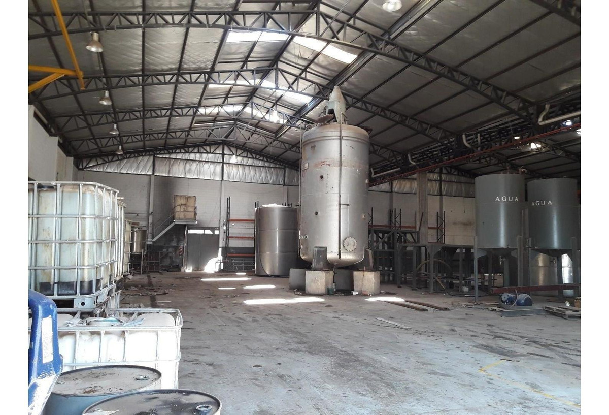 nave industrial de 2000 m2