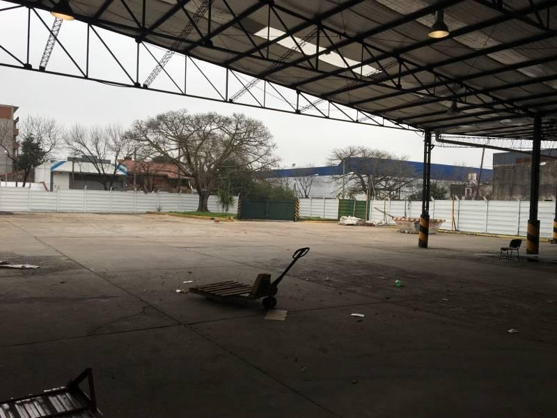 nave industrial de 2300m2 en la localidad de pablo podestá