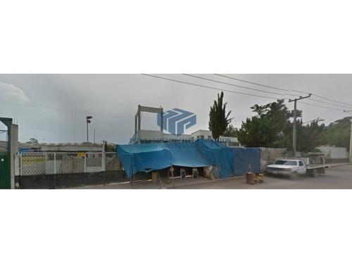 nave industrial de remate con salida al cto ext. mexiquense