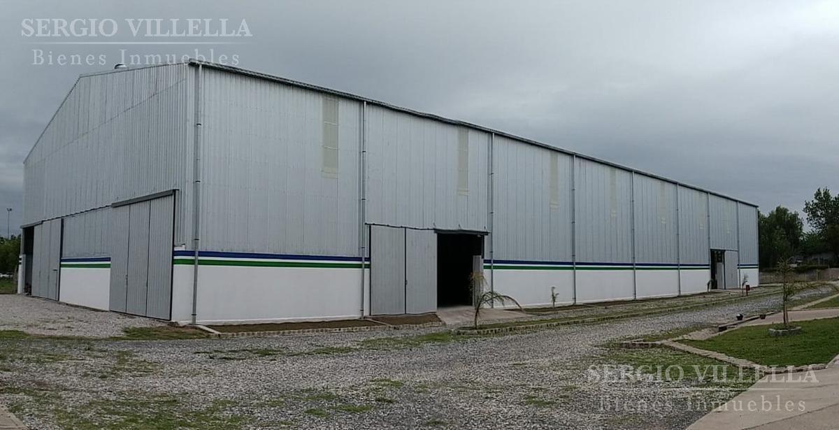 nave industrial en alquiler ubicada en granadero baigorria