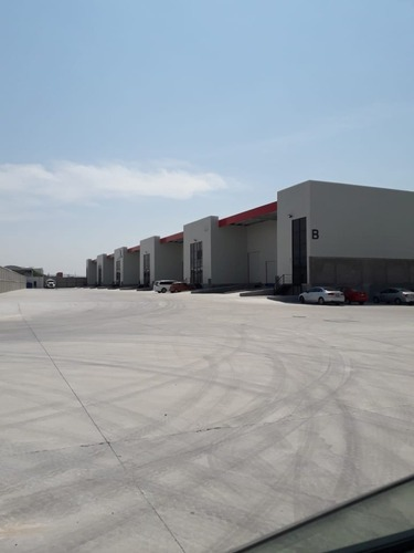 nave industrial en renta, 560 m2 a 10 min del aeropuerto de querétaro