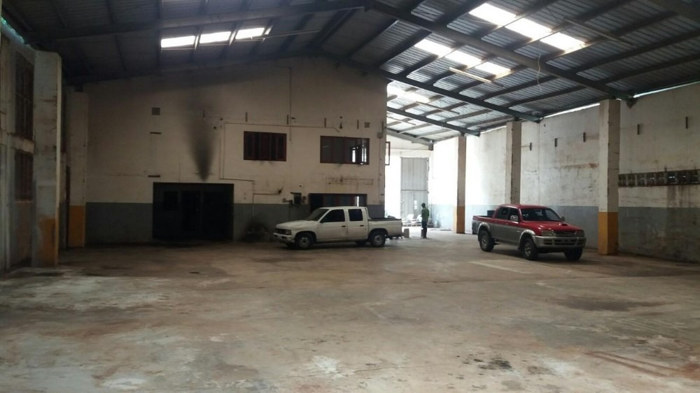 nave industrial en venta en av las palmas techo metalico