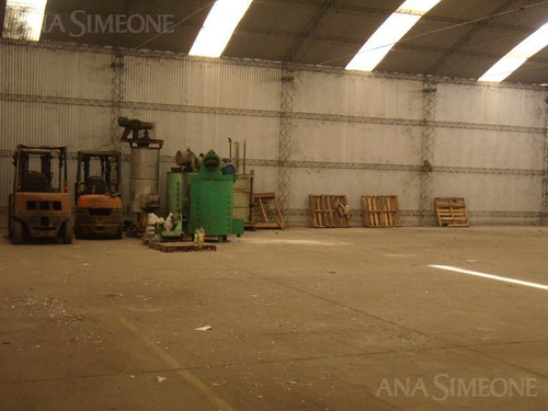 nave industrial - moreno excelente imagen comercial, galpón de 2.900 m2