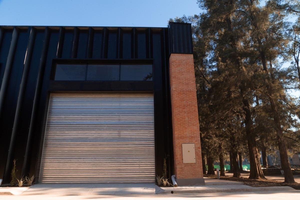 nave industrial + oficinas 433.97 m² en alquiler en pilar